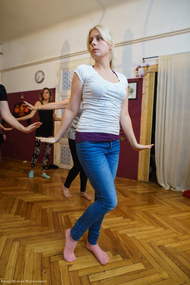 földön tánc alternatív hastánc