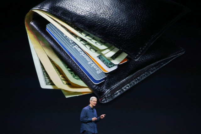 Tim Cook  a teljes pénztárcát iPhone-ra cserélné