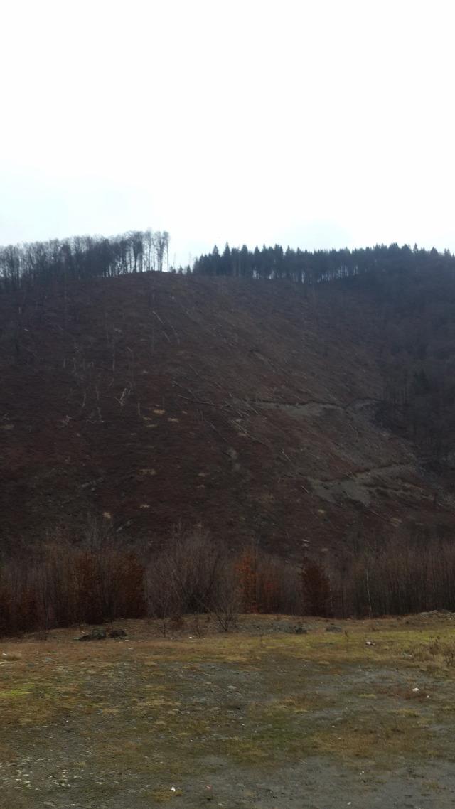 Ukrajna Kárpátalja Kárpátok szemét Talabor-Nagy-ág vízierőmű kamion blokád Ökörmező
