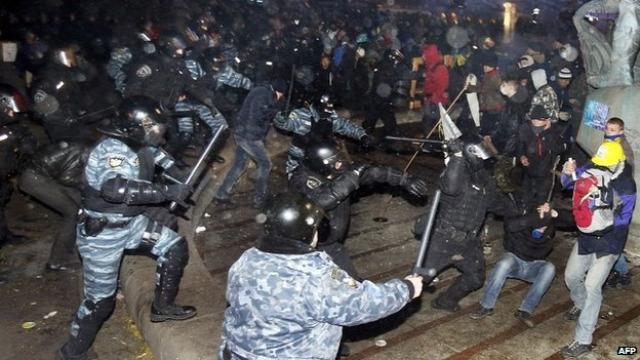 Ukrajna, Majdan rendőrségi attak
