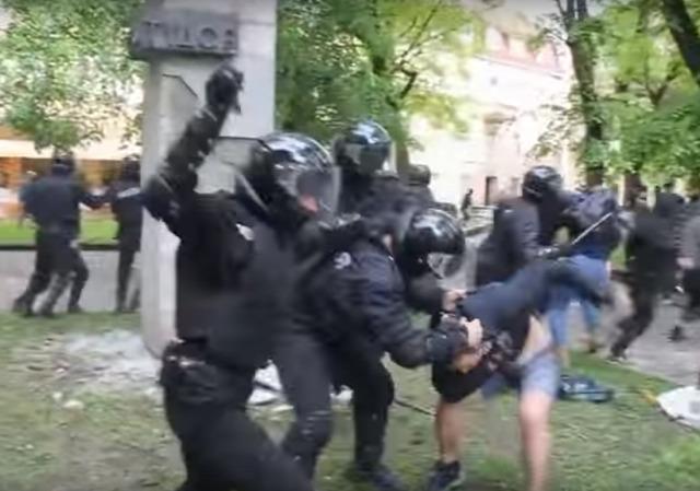 Ukrajna Lemberg május 9 verekedés ukrán rendőrség