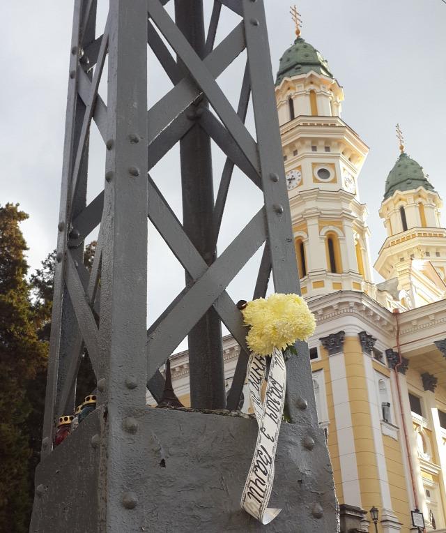 Ukrajnában Ungváron emlékeztek a párizsi terrorra