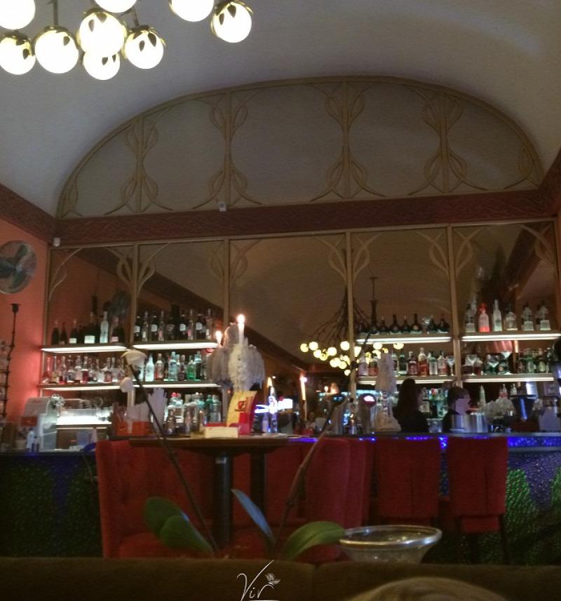 bisztró Budapest esemény francia stílus kávé kávézó sütemény állatbarát étterem VI. kerület