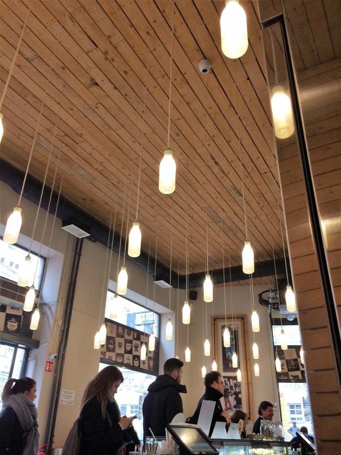 Budapest VIII. kerület bio brunch tejivó hazai kávé limonádé menü van reggeli szendvics természetes alapanyagok önkiszolgáló
