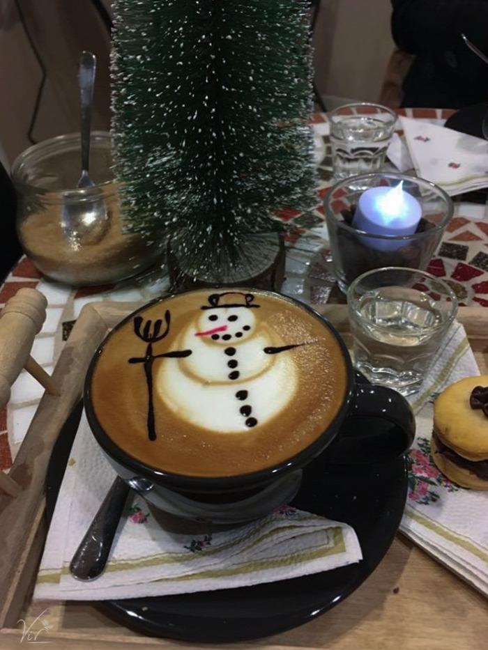 belföld Budapest forrócsoki IX. kerület lungo kávé kávézó Mester utca A-tól Z-ig perui brazil latte art sütemény wifi állatbarát