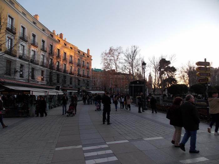 Madrid piac wifi kávé reggeli szendvics osztriga halak