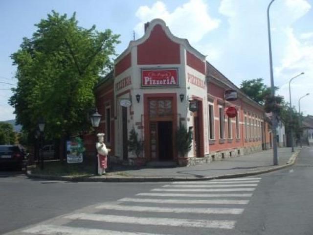 Tapolca pizza almdudler házhozszállítás különterem leves látványkemence Balatonfelvidék vadételek étterem pizzázó