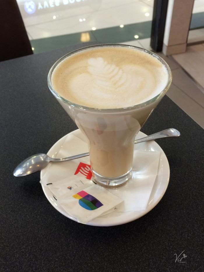 szabadság kávé wifi Budapest VIII. kerület kávézó bevásárlóközpont belföld
