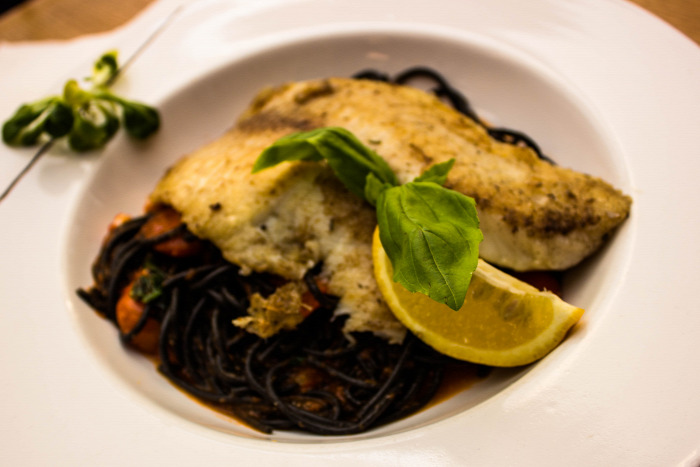 Noszvaj étterem olasz konyha hal hazai házhozszállítás kézműves termékek magyar konyha mangalica Bükk pizza sör sütemény tájjellegű wifi