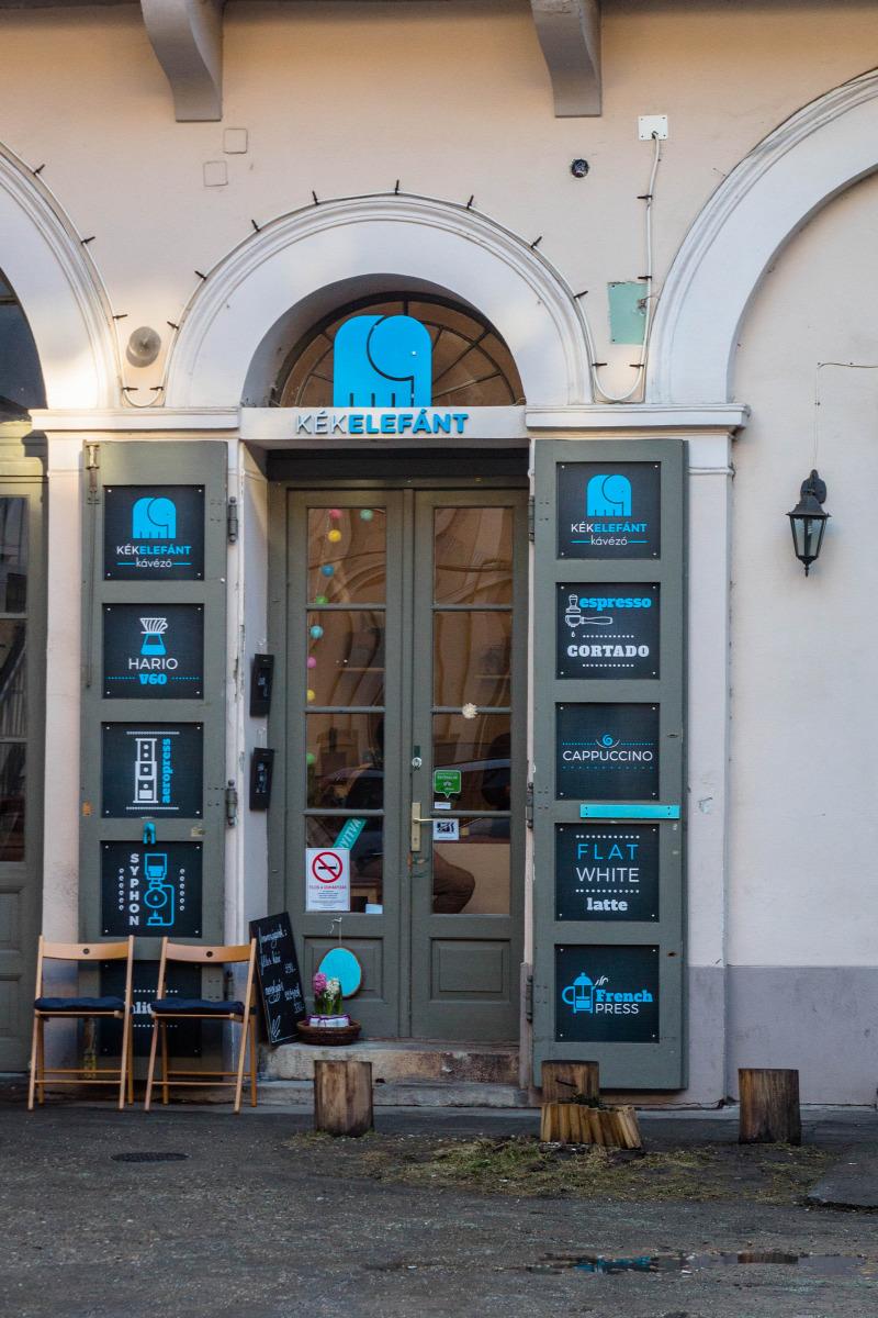 Szeged kávézó vendégposzt filterkávé aeropress cupping kávé