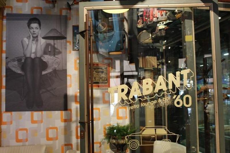 Budapest bár bisztró hamburger hazai V. kerület magyar konyha múzeum nosztalgikus retrodizájn