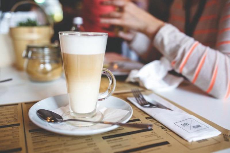 kávé sütemény kávézó kávéház játék