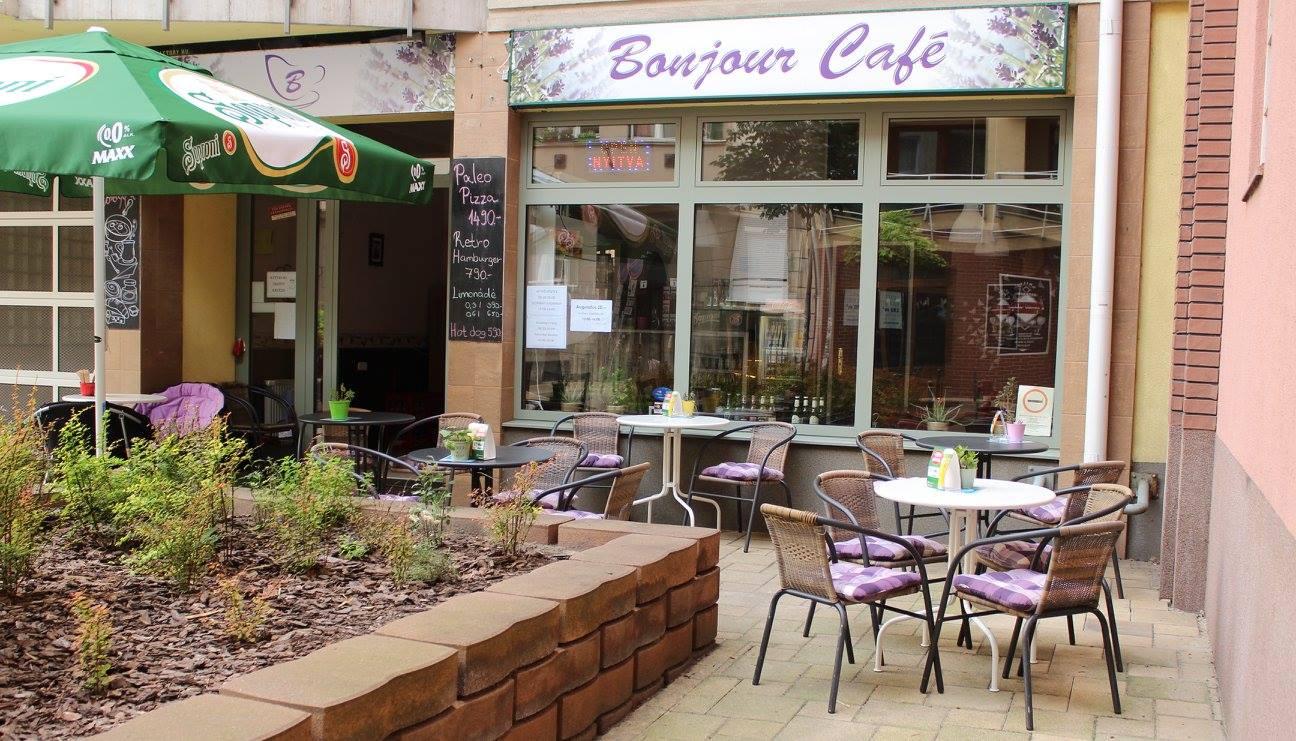 reggelizz kutyaval – Bonjour Cafe