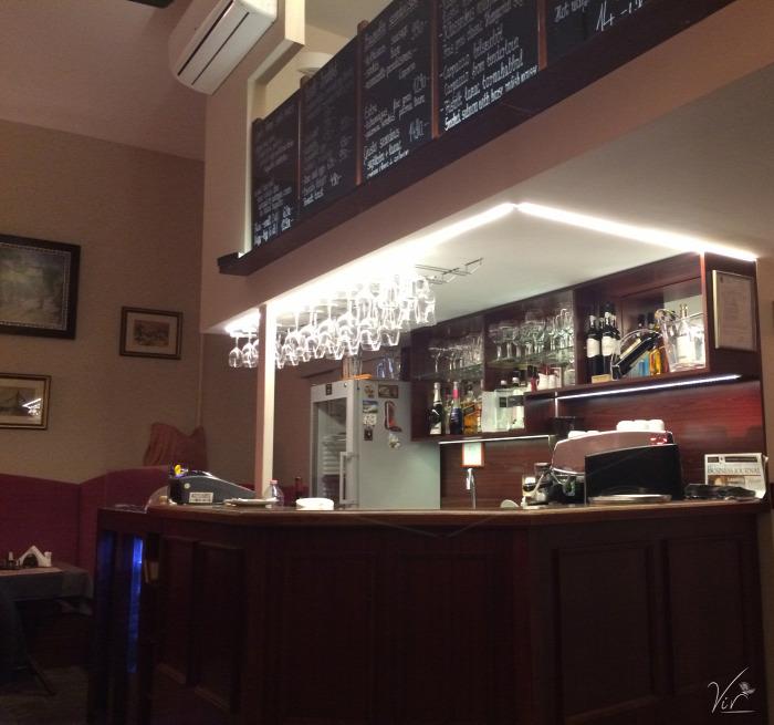 Budapest wifi kávé sütemény kávézó II. kerület reggeli szendvics péksütemény tea étterem belföld