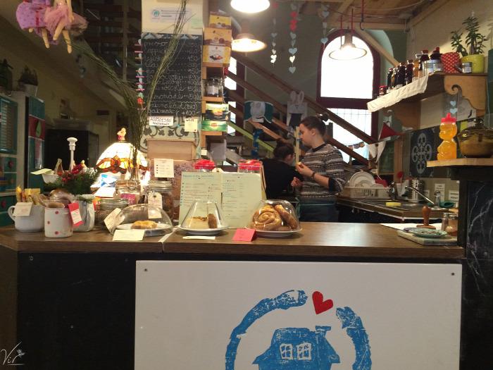 VII. kerület wifi kávé kézműves termékek természetes alapanyagok környezettudatos kávézó reggeli játszóház menü van szendvics belföld