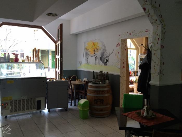 Budapest wifi élelmiszerbolt IX. kerület szendvics reggeli kézműves termékek péksütemények természetes alapanyagok belföld