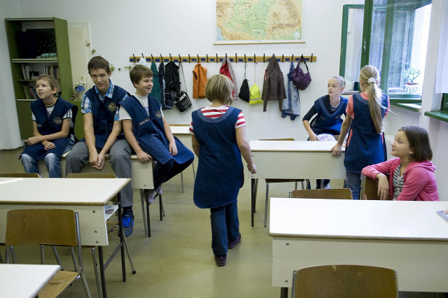 első nap kisiskolás iskola iskolai egyenruha azelsosprint