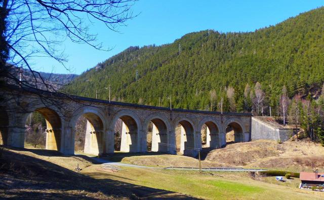 Ausztria Alsó-Ausztria Semmering vonat Semmeringbahn