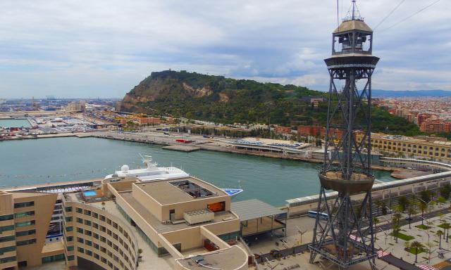 Spanyolország Barcelona nagy-kabinos felvonó