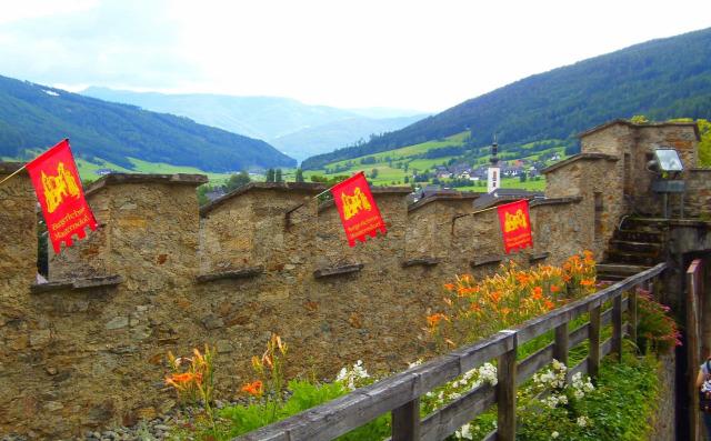 Ausztria Salzburg tartomány Mauterndorf várak