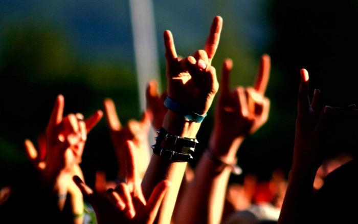 test testbeszéd gesztus gesztusok sértés sértő gesztusok kultúra non verbális kommunikáció
