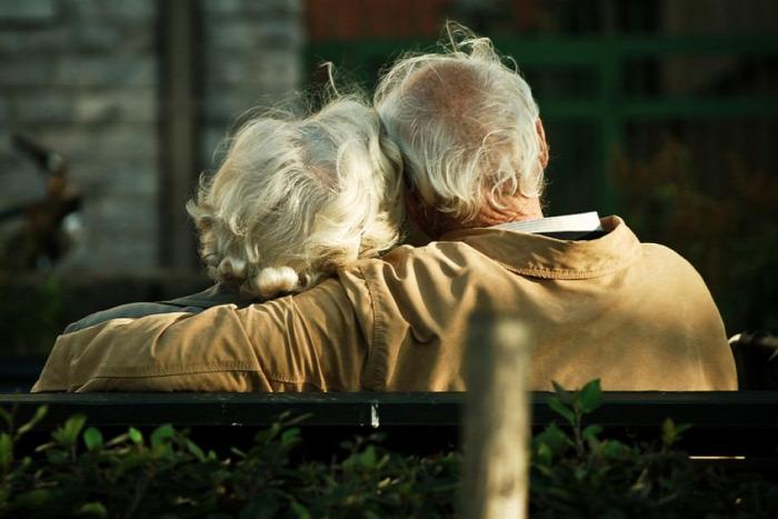 egészség boldog boldogság pszichológia kutatás kapcsolatok házasság párkapcsolat barátság barát ember