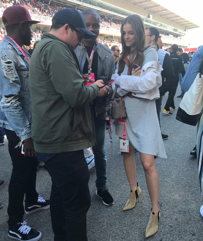 Palvin Barbara F1 Lewis Hamilton
