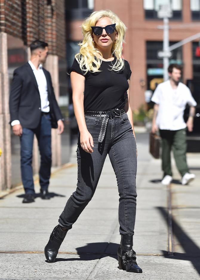 Lady Gaga kendő hóbort