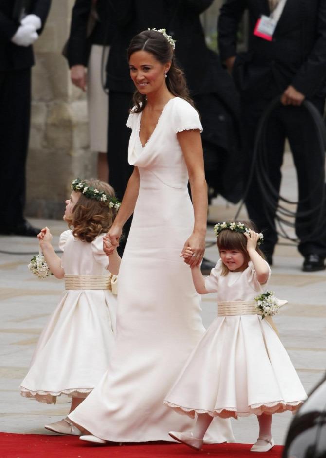 Pippa Middleton menyasszonyi ruha Giles Deacon esküvő
