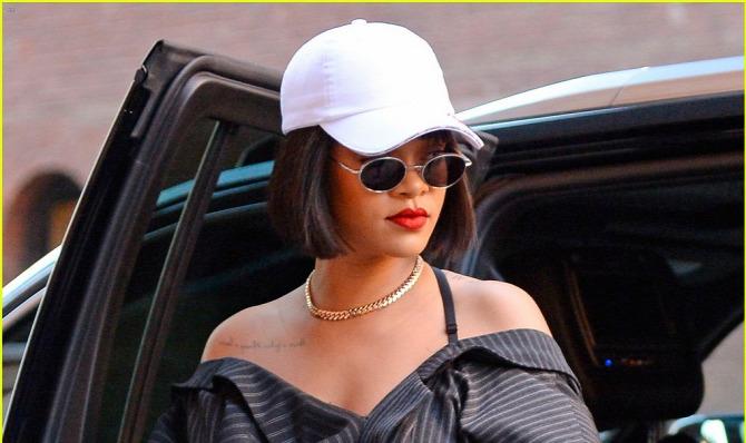 Rihanna blézer