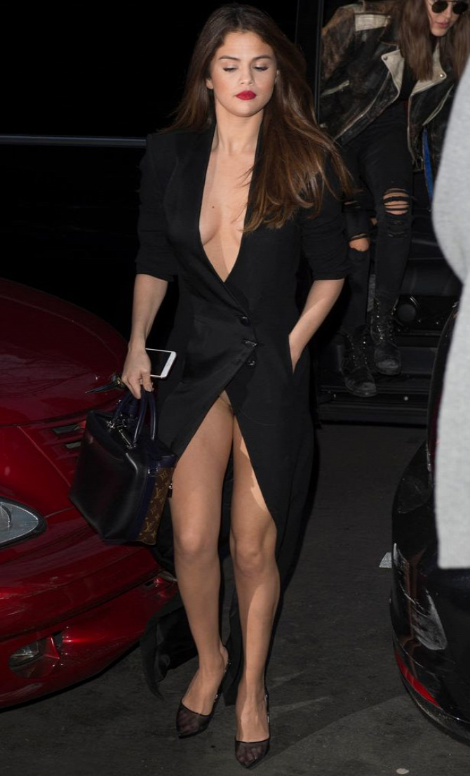 PFW Selena Gomez Ronald Van Der Kemp