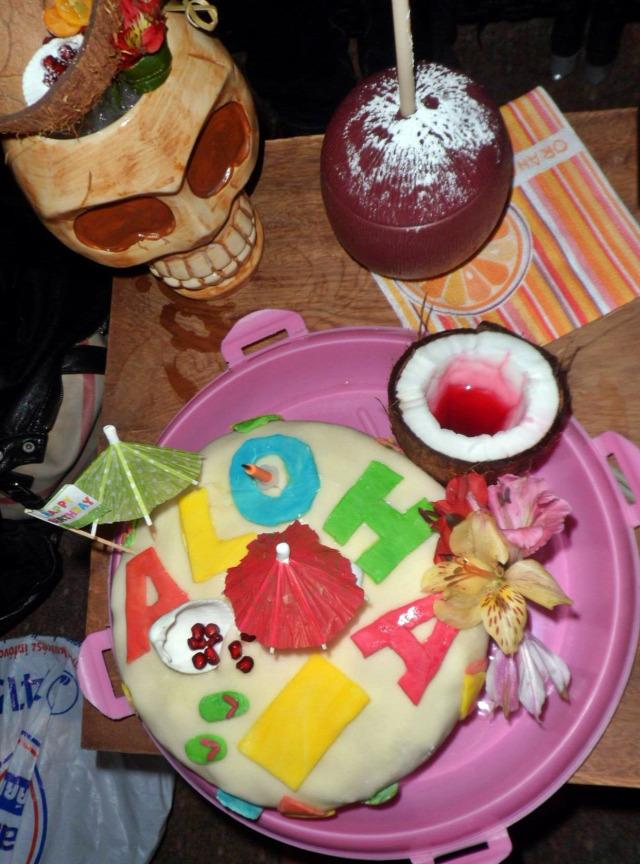 torta szülinap hawaii ananász kókusz fondant ételfesték fehércsoki édességek