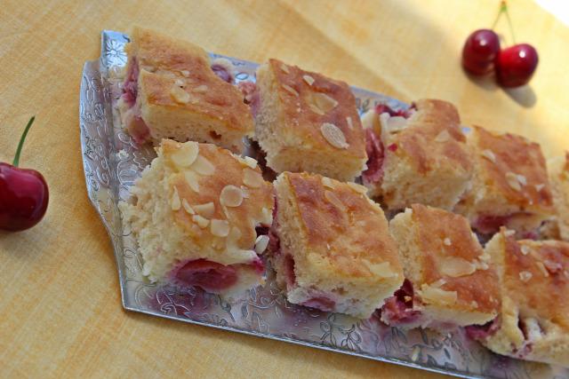 cseresznye fehércsoki pite mandula