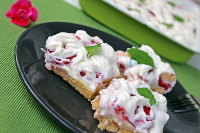 eper puding piskóta vanília citromfű vaníliás cukor habtejszín habfixáló porcukor édességek