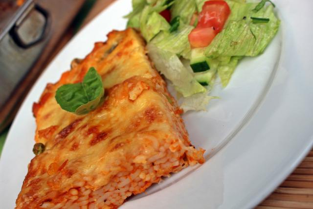 fincsi ebédek tészta paradicsomszósz sonka bazsalikom sajt hagyma zöldség