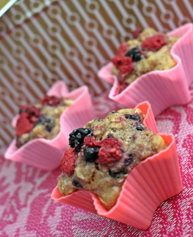müzli gyors muffinok édességek liszt cukor olaj tej málna szeder sütőpor