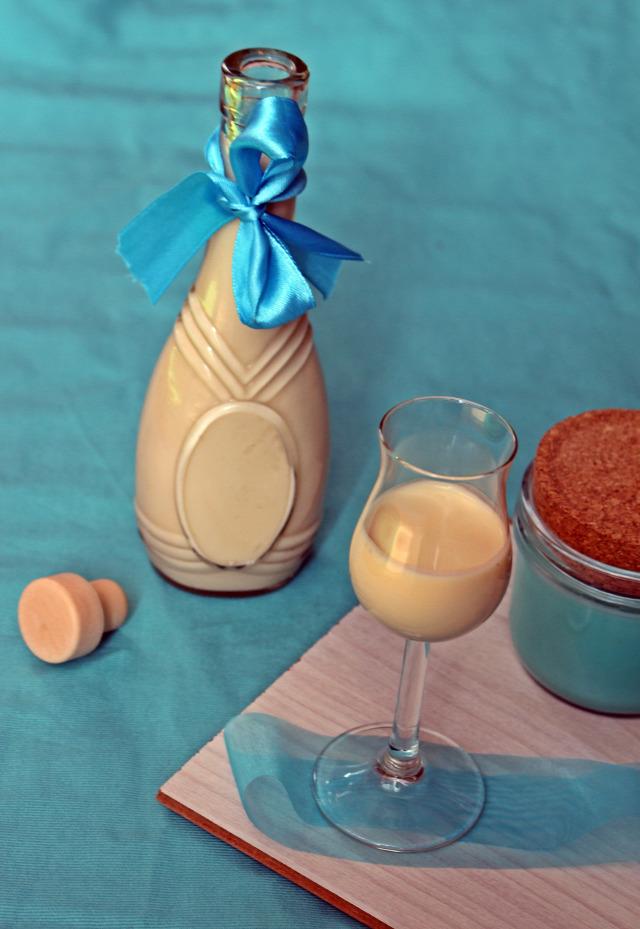 likőr vodka gasztroajándék fehércsoki fehércsokoládé tejszín kávétejszín vanília vaníliás cukor vaníliás pudingpor puding