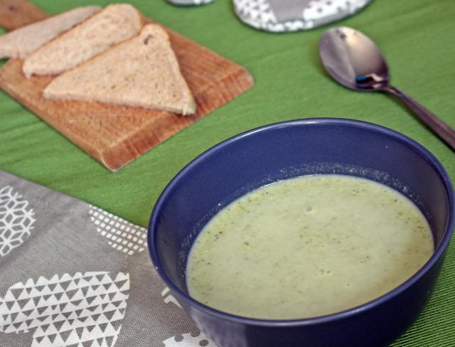 brokkoli krumpli hagyma tejszín fincsi ebédek leves