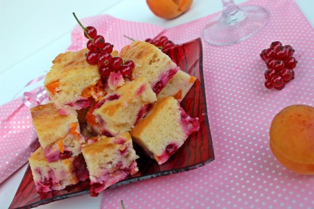 ribizli pite édességek sárgabarack barack joghurt