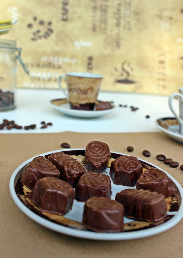 kávé csokoládé tejcsokoládé pasztilla csoki pasztilla marcipán bonbon édességek