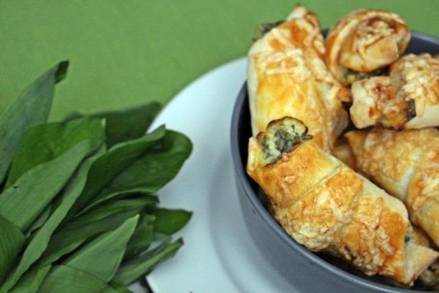 medvehagyma húsvét vendégvárók sajt leveles tészta tejföl krémsajt tojás