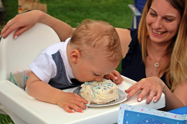 szülinap torta maszatolós torta piskóta tojás liszt cukor mascarpone görög joghurt barack barackpüré vendégvárók édességek
