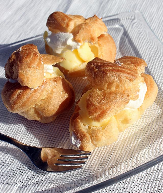 fánk farsang képviselőfánk vanília tejszín tejszínhab puding édességek