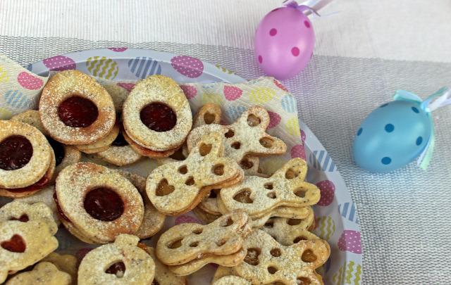 mák linzer édességek keksz liszt cukor só tojás lekvár vaj húsvét