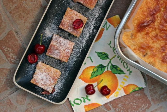 liszt cukor túró bögrés süti tej tojás cseresznye édességek sütőpor