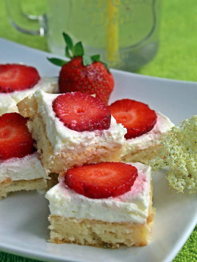 bodza bodzaszörp piskóta édességek liszt cukor tojás mascarpone görögjoghurt joghurt citrom