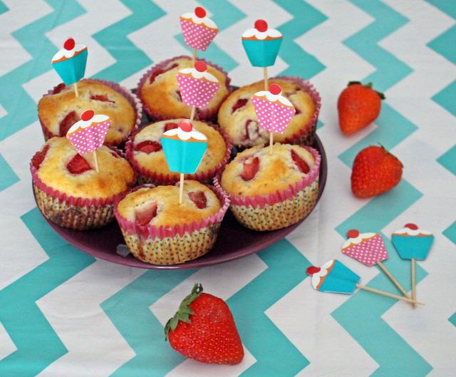 kókusz muffin gyors muffinok édességek eper liszt cukor tej sütőpor olaj tojás