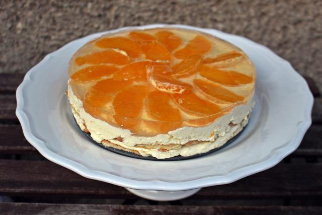 narancs torta édességek sütésnélkül keksz háztartásikeksz mézeskalácsfűszer porcukor zselatinfix habtejszín tejföl tortazselé