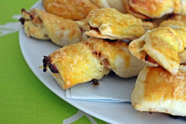 leveles tészta bacon mustár sajt tojás liszt vendégvárók