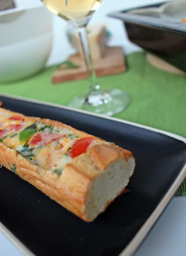bagett rohanós vacsorák parmezán sajt tojás bazsalikom paradicsom tej